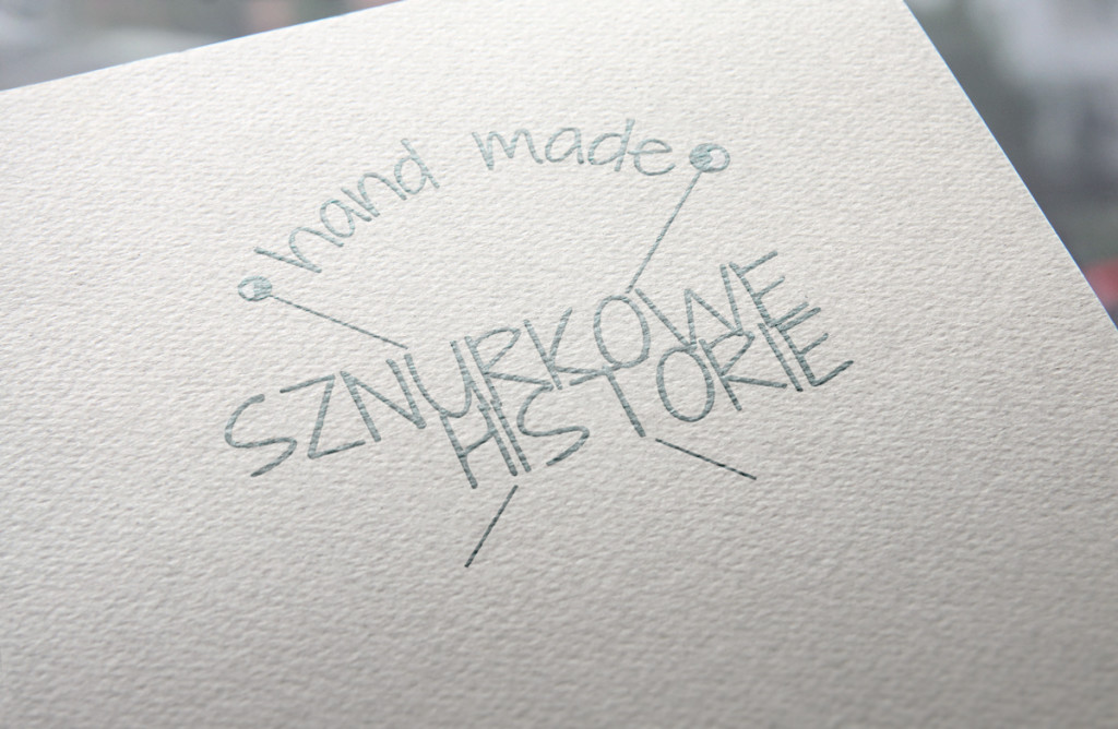 sznurkowe-historie-logo-mockup